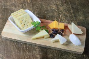 お酒別に合うチーズの種類5つとは