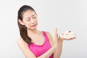 ストレスで過食に走ってしまう5つの原因とは