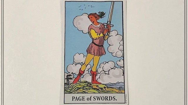 タロットカード【ソード(剣)のペイジ】の意味とは|正位置・逆位置・恋愛・仕事