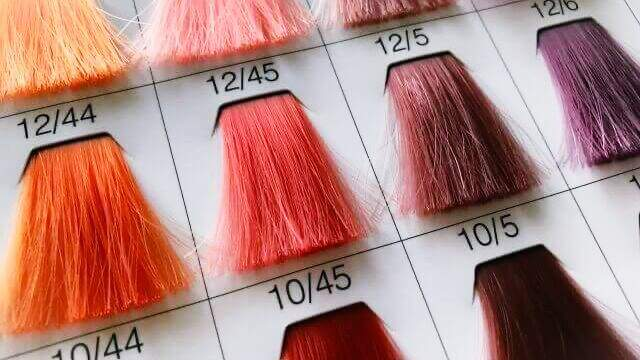 夢占い 髪を染める